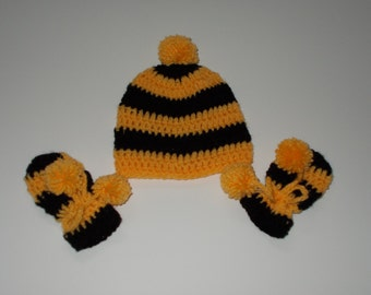 Bumbblebee hat and mitten set, size 0-3 months