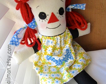 Polly Wog. Rag Doll Pattern.  PDF.  Simple and Friendly. Digital Sewing Pattern.