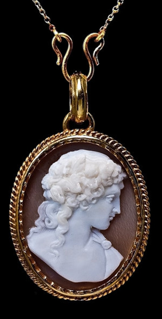 Antique Victorian Cameo Gold Locket Necklace