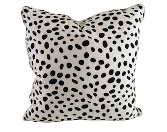 Black and White Dotty Pillow Cover