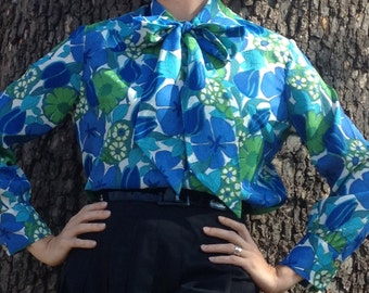 Vintage Mod Floral blouse 1970s Green Blue with flirty bow Mad Men secretary