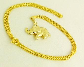 High-gloss, vollplastischer elephant PENDANT, with heavy curb chain