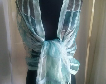 Beautiful shawl perfect for events and other special occasions. Beautiful shawl perfect for events and other occasions special