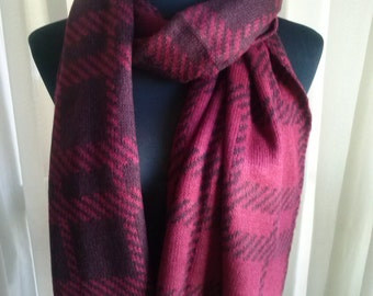 Fashion scarf, reversible, perfect for cold days. Ideal gift. Fashion scarf, reversible, perfect for cold days. Ideal gift.
