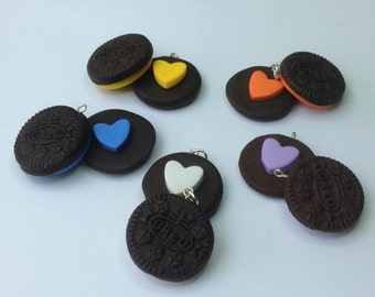 mother's day gift mom Oreo cookie friendship necklace 2 part necklace chocolate biscuit love heart best friends food jewellery