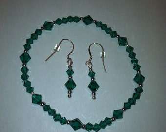 Swarovski crystal, emerald green, handmade bracelet and earrings set.
