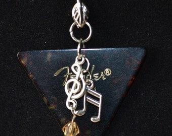 Guitar Pick Necklace, Large  Fender  Med.
