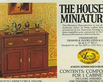 Chippendale Hutch Cabinet House of Miniatures  no. 40003