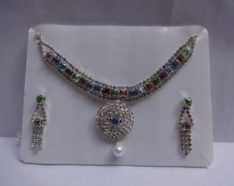 Beautiful Jewelry Set In Multi Color