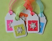 Upcycled snowflake gift tags, Cardboard box and fabric gift tags, 5 Colourful Christmas Ornaments, Upcycled Christmas gift tags, winter tags