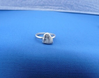 Howltite and Sterling Silver Ring