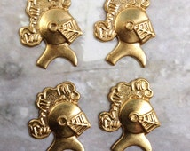 4 Vintage Brass Medieval Knight Helmet with Plume Stampings 22x17mm no hole (90)