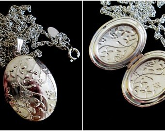 Edwardian Locket - Silver Plated Etched Locket Necklace