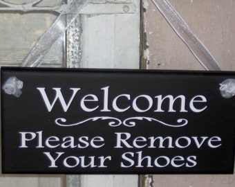 Welcome Please Remove Your Shoes Wood Vinyl Sign Whimsical Entry Door Home Decoration Hanger Handmade Houseware Ornament Guest Visitor Sign