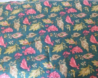 Forest Green Paisley Leaf Cotton Flannel Fabric - Destash