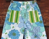summer shorts - blue flowers size 4