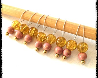 Snag Free Stitch Markers Medium Set of 8 -- Golden and Pink Glass -- M44 -- For up to size US 11 (8mm) Knitting Needles