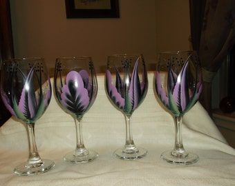 Wine glass/goblet Handpainted, black/lilac