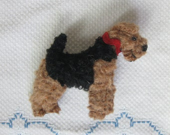 Welsh Terrier Wool Dog Friend Pin / Brooch with Gift Box