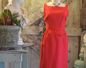 1950s red wiggle dress 50s classic hourglass dress size medium Vintage mad men holiday dress