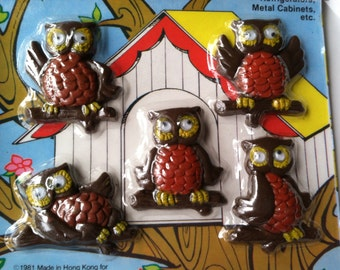 Vintage Retro Set of 5 Owl Family Magnetic Memo Holders Refrigerator Magnets New In Box Mint in Package New Old Stock