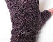 Plum Lovely Leaves Fingerless Gloves