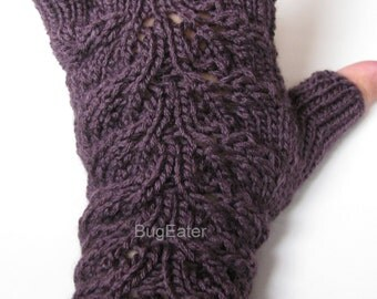 Plum Lovely Leaves Fingerless Gloves