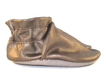 Soft Sole Gold Leather Baby Shoes 0 to 6 Month Eco Friendly