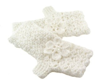 White Crochet Fingerless Gloves with Flower, Winter White Texting Gloves, Snow White Wristwarmers, GL148-01