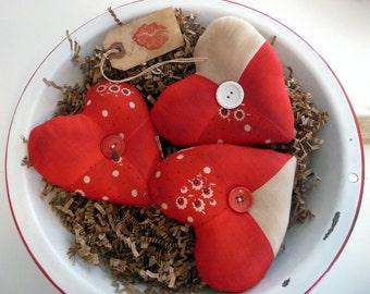 Primitive heart Valentine bowl filler tuck
