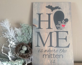 "Vinyl Design by DeBella - ""HOME is where the mitten is"" wood wall decor 9x15"