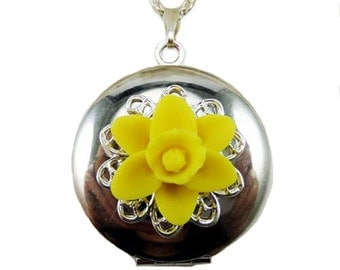 Daffodil Locket Necklace -  Daffodil Jewelry, March Birthday Birth Flower, Spring Flower Jewelry