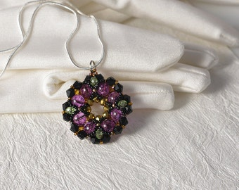 1x pearls & crystals beadwoven pendant
