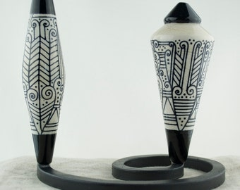 Alive Glass -  Fraternal Twins - Ivory / Black