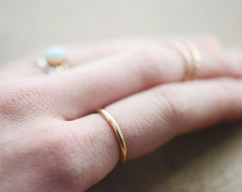 Simple Smooth 14k Gold Ring Band - Minimal 14k rolled gold band - jewelry - 14k gold band