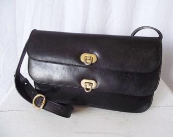 Vintage Pelletterie Salucci Purse -  Black Leather Clutch Bag - Gold Chain - Gorgeous