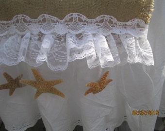 Shabby Beach Wedding Runner  6 Starfish  Tulle   Vintage Lace   Lace  Burlap Runner