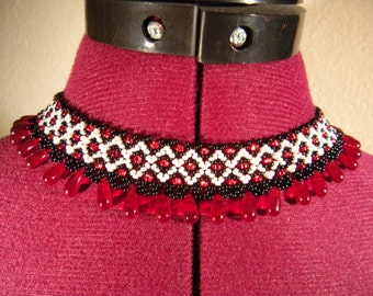 Red Polka Dot White Diamond Teardrop Netting Saraguro Ethnic Collar Necklace