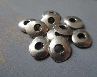 rondelle metal casting beads discs washer freeform shape large hole - pewter tone , antiqued silver finish - 10 x 12 mm / 10 pcs -  6AM50136
