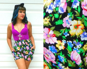 1980s Vintage Floral High Waisted Shorts Spring Floral Print High Waisted Shorts with Pockets Can Cans with Pockets Size Extra Small