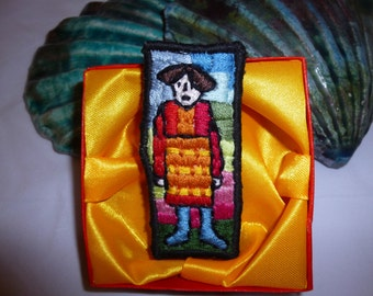 """Brooch Embroidered """"Blue Stockings"""" (60)"""