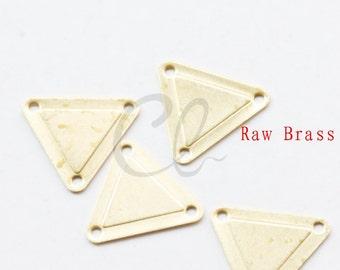 40pcs Raw Brass Triangle Link - 14x15mm (2014C-P-326)