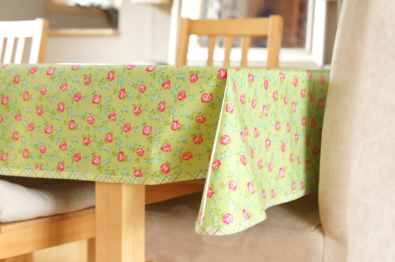 laminated cotton tablecloth scattered roses in green. Black Bedroom Furniture Sets. Home Design Ideas