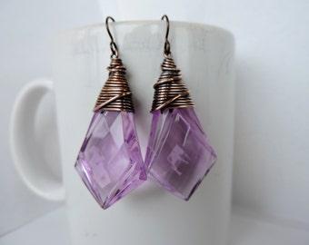 Jumbo Twisted Light Purple Acrylic Kite Drops