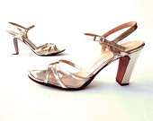 Silver High Heels / Vintage 1970s Heels / Silver Shoes / Size 8 8 1/2