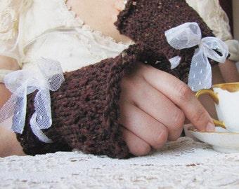 Spiced Tea Gloves