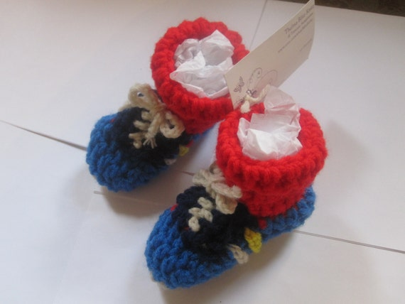 Baby Boy Booties Crochet 0-6 mo. Blue Sneaker Red Sox Trompe L'Oeil Addidas baby shower gift athlete Jogging Gym Running Shoes