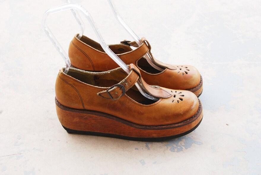 vintage 70s platform shoes 1970s t maryjane by jessamity
