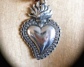 Antiqued Pewter Ex Voto Sacred Heart Pendant- Perfect for your own projects
