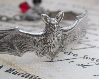 Bat Bracelet, Halloween Jewelry, Silver Bat Cuff, Silver Gothic Bracelet, Goth Style Jewelry, Antique Silver Vampire Jewelry